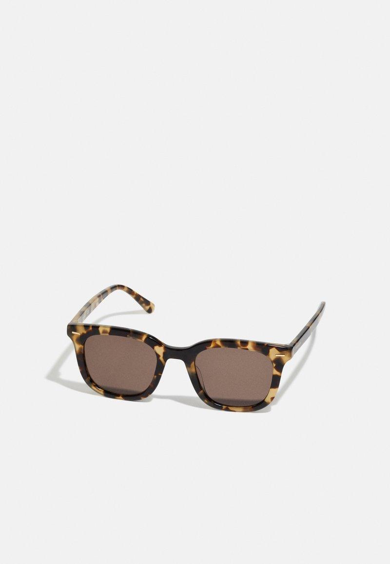 Calvin Klein - UNISEX - Sunglasses - brown