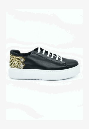 HAND MADE GENUINE - Sneaker low - swift black