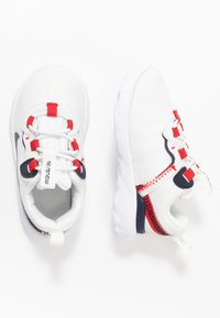 Nike Sportswear - RENEW 55 - Sneakers laag - summit white/obsidian/university red/platinum tint - 0