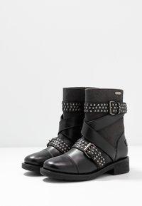 Pepe Jeans - MADDOX STUDS - Cowboy/biker ankle boot - black - 4