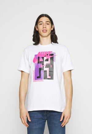 TEE AIR - T-shirt med print - white