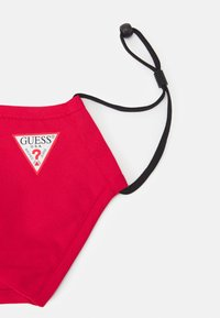 Guess - SINGLE FACEMASK UNISEX - Community mask - tulip red - 4