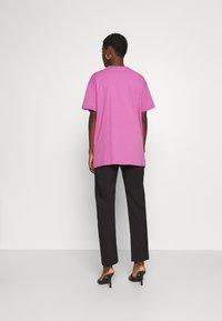 Trendyol - Print T-shirt - lila - 2