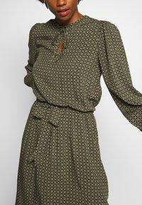 Soyaconcept - GIGI - Day dress - army combi - 3