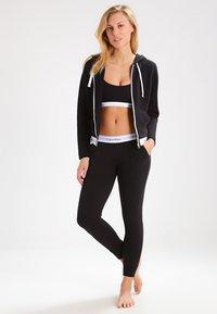 Calvin Klein Underwear - MODERN LOUNGE FULL ZIP HOODIE - Hoodie met rits - black - 1