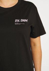 Dr.Denim Plus - MELROSE PLUS TEE - Print T-shirt - black wordmark - 7