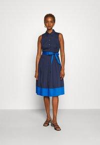 kate spade new york - POPLIN COLORBLOCK DRESS - Shift dress - squid ink - 0