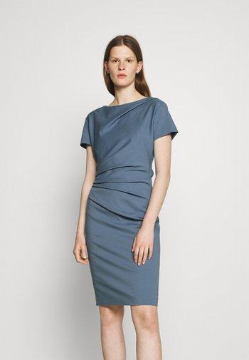 IZLO  - Shift dress - light indigo