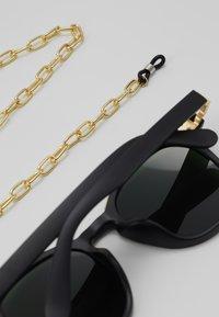 Urban Classics - SUNGLASSES ITALY WITH CHAIN - Sunglasses - black/gold-coloured - 3