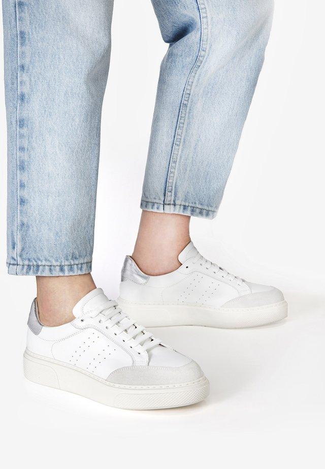 Sneakers laag - white multi whm