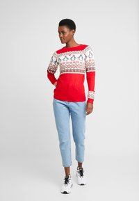 Dorothy Perkins Tall - FAIRISLE TINSLE PENGUIIN - Jumper - red - 1