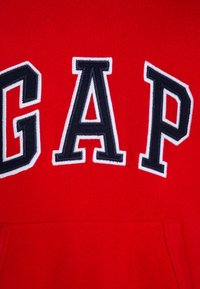 GAP - BOYS ACTIVE ARCH  - Bluza z kapturem - pure red - 2
