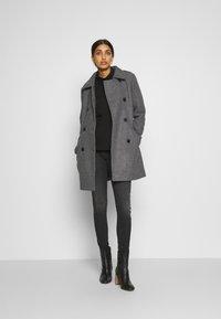 ONLY - ONLSANSA COAT - Krátký kabát - dark grey melange - 1