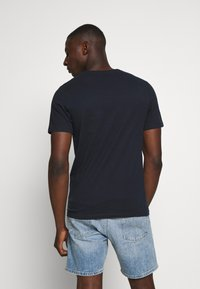 Jack & Jones - JCOCOOL YODA TEE  - T-Shirt print - navy blazer - 2