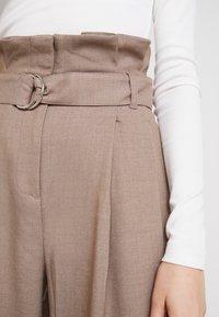 Weekday - PEYTON PAPERBAG TROUSER - Trousers - dark mole - 4