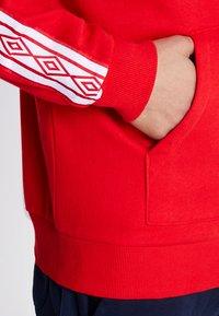 Umbro - TAPED ZIP THRU HOODIE - Zip-up hoodie - goji berry - 4