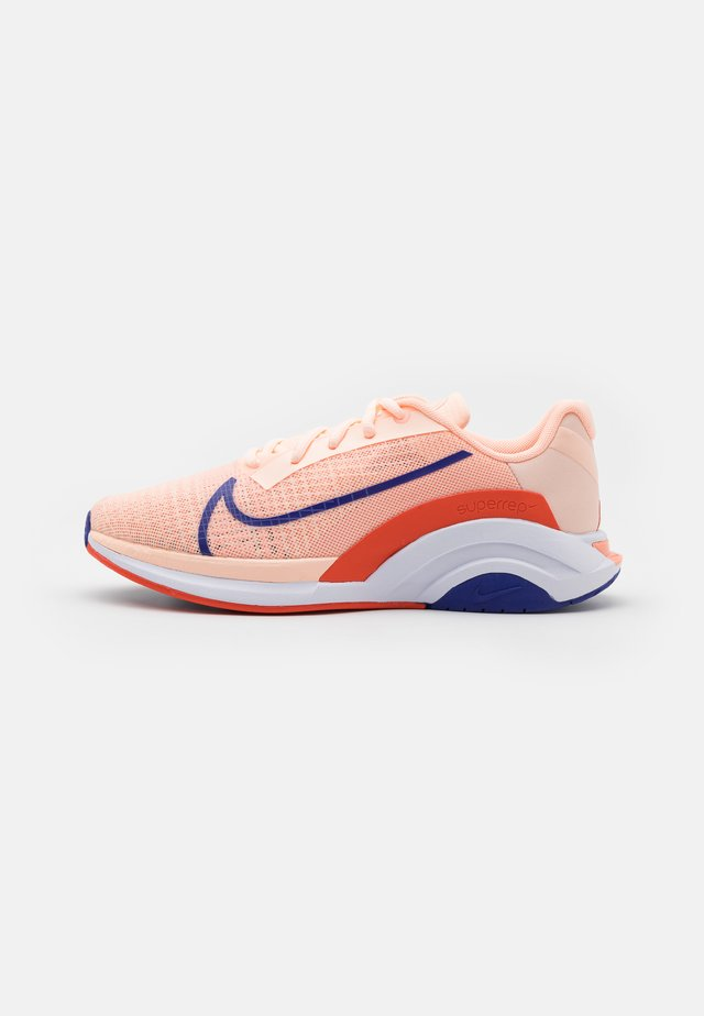 ZOOMX SUPERREP SURGE - Sports shoes - crimson tint/concord/team orange/crimson bliss/white/lime glow