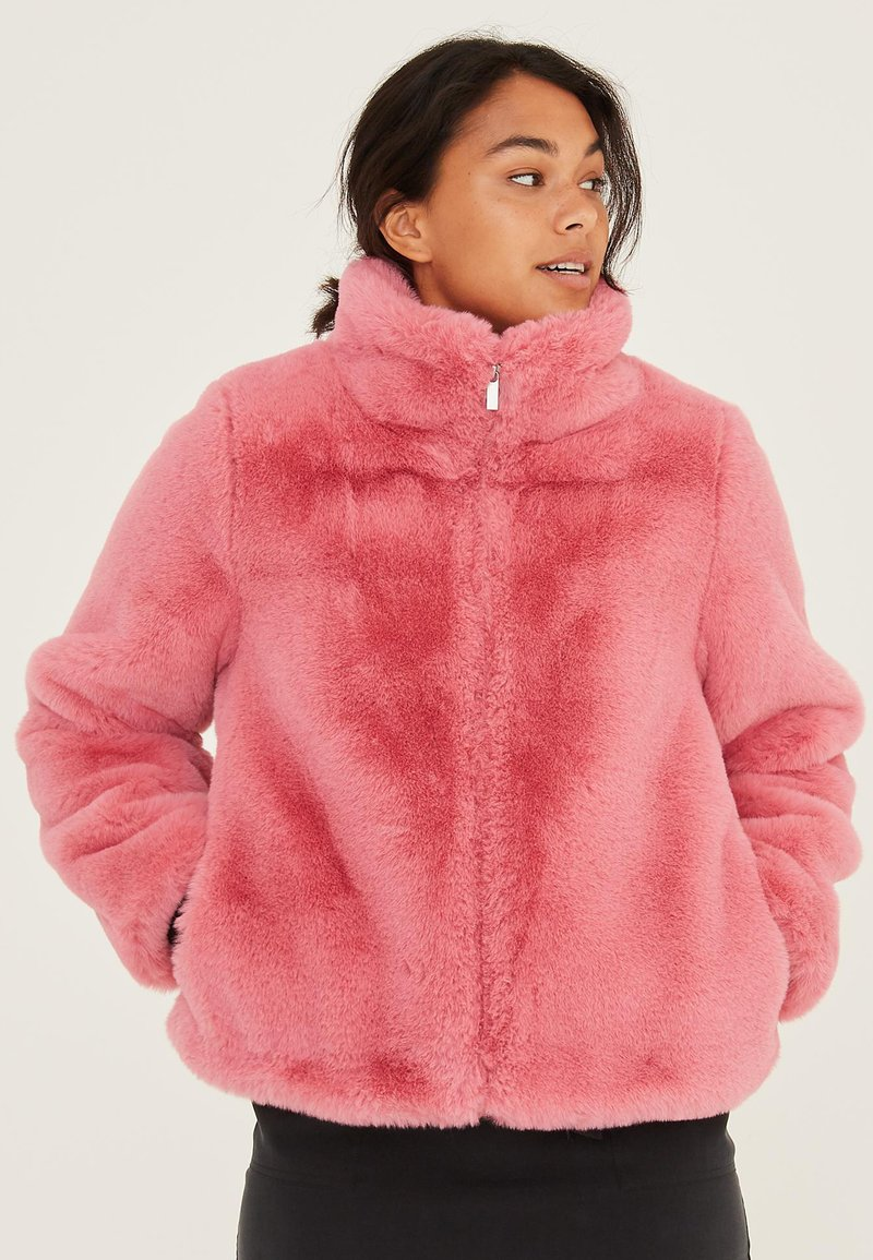 Oliver Bonas - FAUX FUR BLUSH  - Winter jacket - blush
