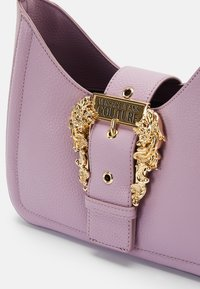 Versace Jeans Couture - BUCKLE SHOULDER BAG - Handbag - lavander - 4
