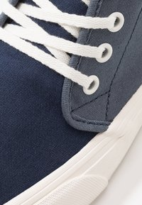 Vans - CHUKKA - Skate shoes - orion blue/marshmallow - 6