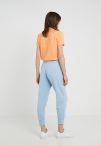 Polo Ralph Lauren - SEASONAL - Pantalones deportivos - powder blue - 2
