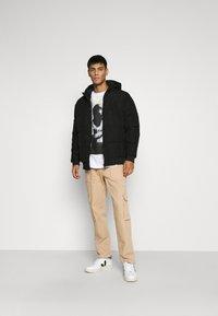 Mennace - POPPER PULL ON PANT - Trousers - stone - 1