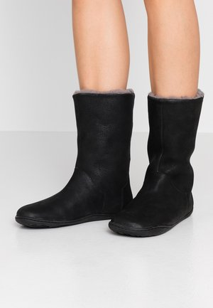 PEU CAMI - Winter boots - black