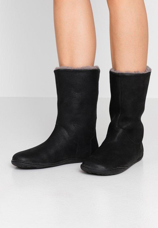 PEU CAMI - Winter boots - black