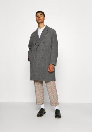 BOSS X RUSSELL ATHLETIC DANDOS - Classic coat - medium grey