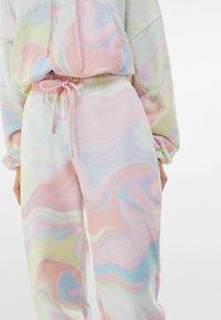 Bershka - Teplákové kalhoty - pink - 3
