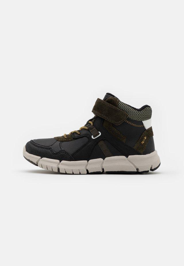 FLEXYPER BOY - Höga sneakers - black/military