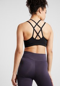 Nike Performance - FAVORITES STRAPPY - Sport BH - black/white - 2