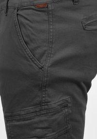 INDICODE JEANS - CARGOHOSE BROMFIELD - Cargo trousers - dark grey - 3