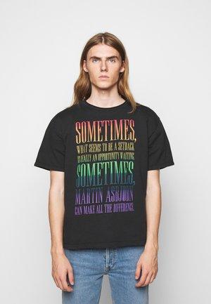 LIAM TEE - Print T-shirt - black