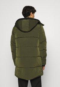Calvin Klein - CRINKLE LONG LENGTH JACKET - Winter coat - green - 2
