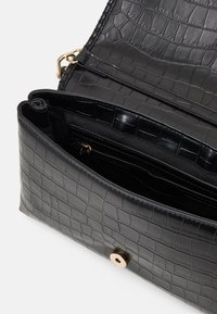 PARFOIS - ENVELOPE BAG GOGH - Kabelka - black - 2