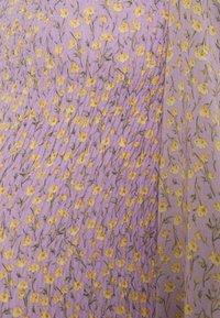 Missguided Maternity - FLORAL SHIRRED MINI DRESS - Jersey dress - lilac - 2