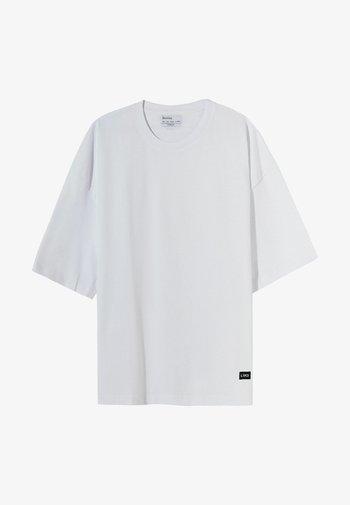 OVERSIZED UNISEX - Basic T-shirt - white