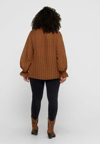 ONLY Carmakoma - Blouse - tobacco brown - 2