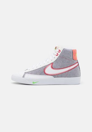 BLAZER MID '77 UNISEX - Høye joggesko - grey/white sport red/electic green