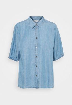 AMIRA BALLON SLEEVE - Button-down blouse - blue denim