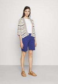 CLOSED - HOLDEN - Shorts - cobalt blue - 1