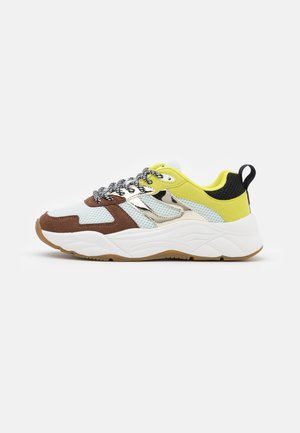 CELEST - Sneakers laag - braun