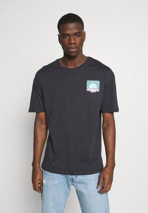 JORFLAX TEE CREW NECK - Print T-shirt - dark navy