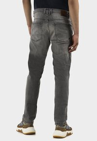 camel active - HOUSTON - Straight leg jeans - grey - 2