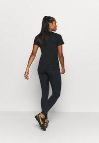 Nike Performance - FRANKREICH FFF ONE - Medias - dark obsidian/university red - 2