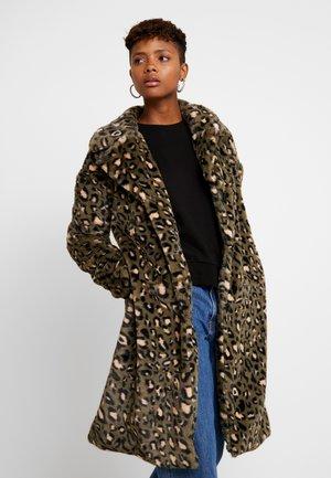 Zimní kabát - green/brown