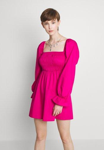 MILKMAID SHIRRED BODICE SKATER DRESS - Kjole - hot pink