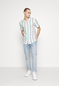 Common Kollectiv - UNISEX STRIPED SHORT SLEEVE - Shirt - white - 1