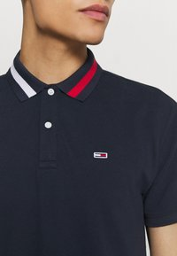 Tommy Jeans - FLAG NECK  - Poloshirts - twilight navy - 6
